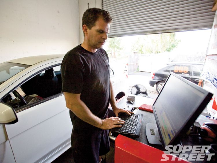 sstp_1010_06_o+project_ralliart_sportback_upgrades+mike_at_rre