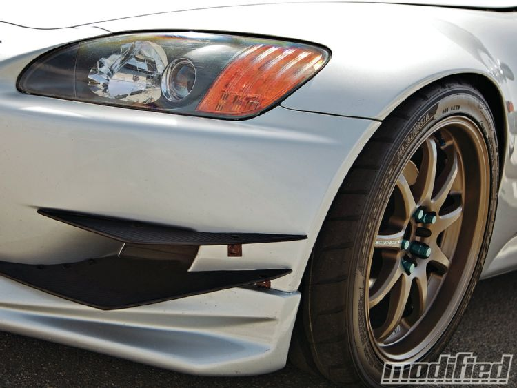 modp-1106-04+home-brew-done-right-2002-honda-s2k+fins.JPG