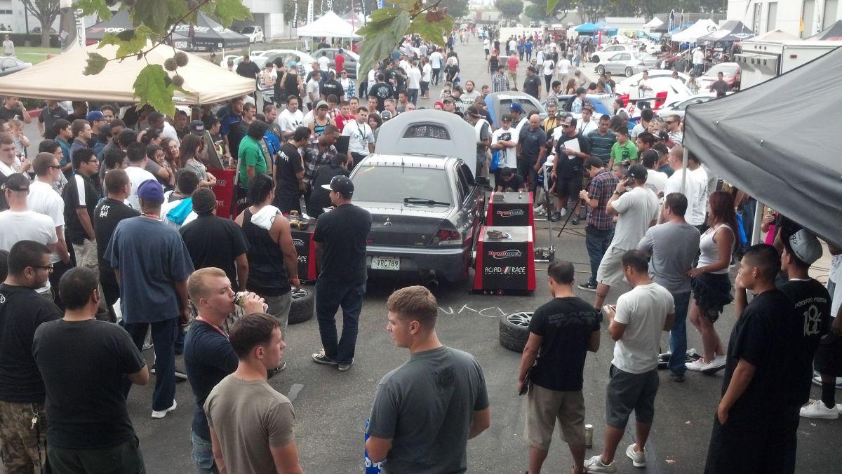 dyno-crowd